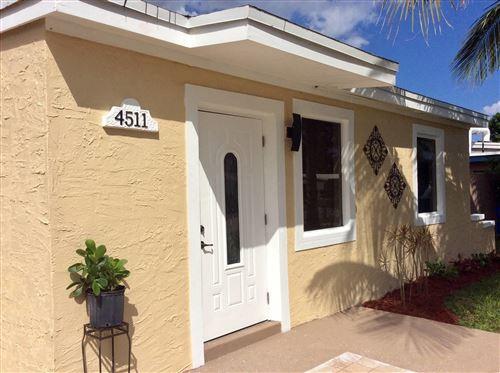 Foto de inmueble con direccion 4511 SW 39th Street West Park FL 33023 con MLS RX-10663005