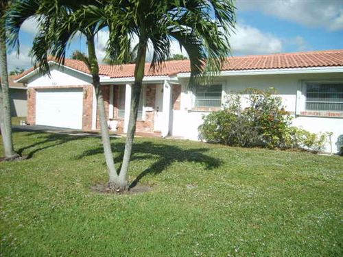 Photo of 1663 NW 8th Street, Boca Raton, FL 33486 (MLS # RX-10594011)