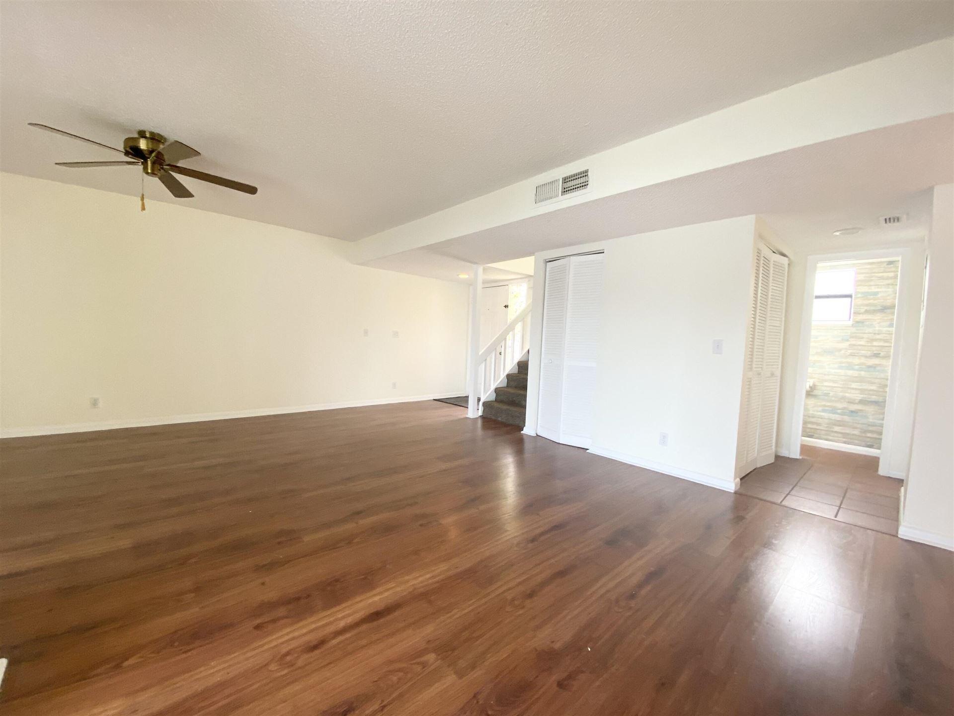 Photo of 703 Stonewood Court #16a, Jupiter, FL 33458 (MLS # RX-10734013)