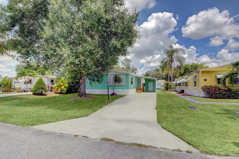Photo of 251 SE Paradise Place, Stuart, FL 34997 (MLS # RX-10735017)