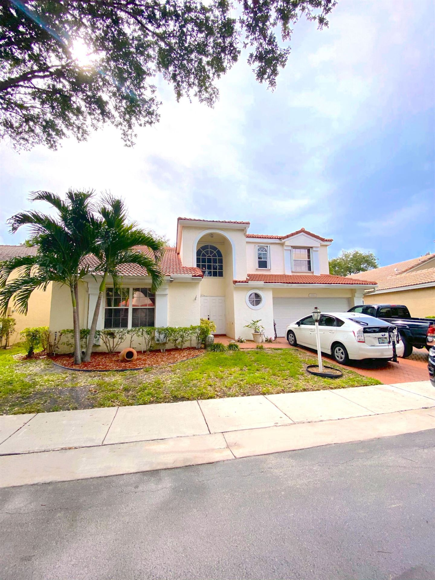 Photo of 1023 Siena Oaks Circle W, Palm Beach Gardens, FL 33410 (MLS # RX-10747017)