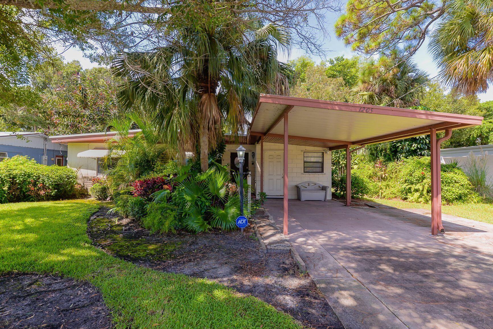 1205 S 10th Street Street, Fort Pierce, FL 34950 - #: RX-10746020