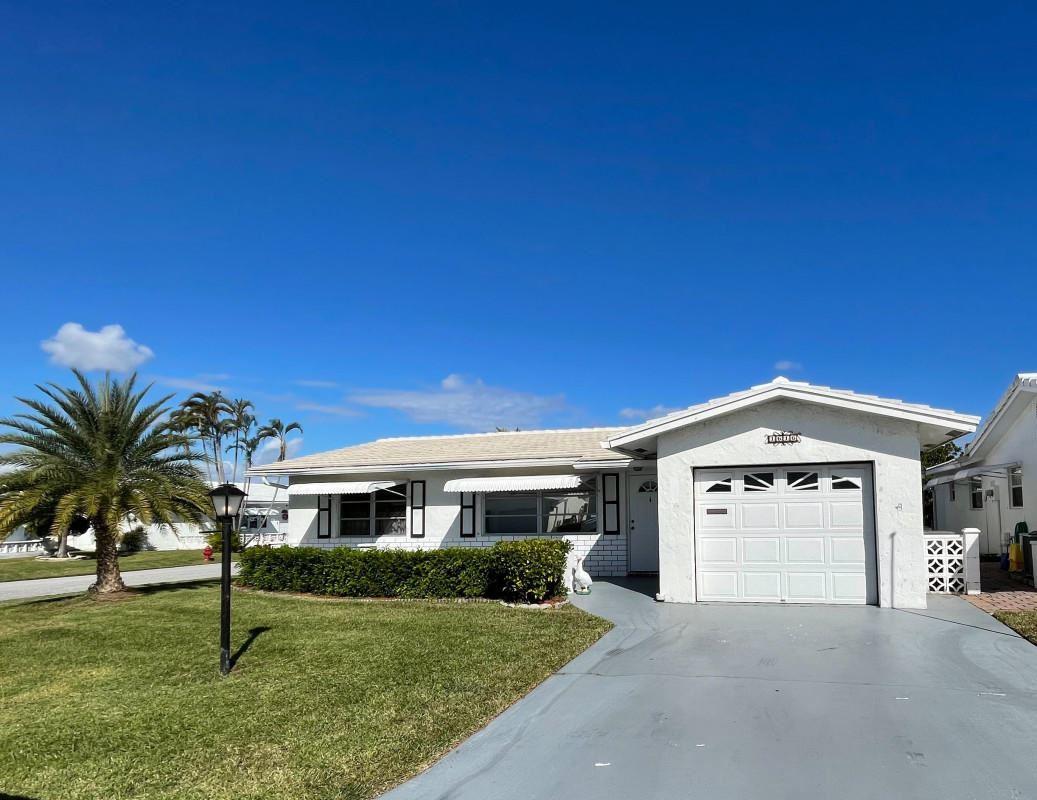 1616 SW 17th Terrace, Boynton Beach, FL 33426 - #: RX-10682028