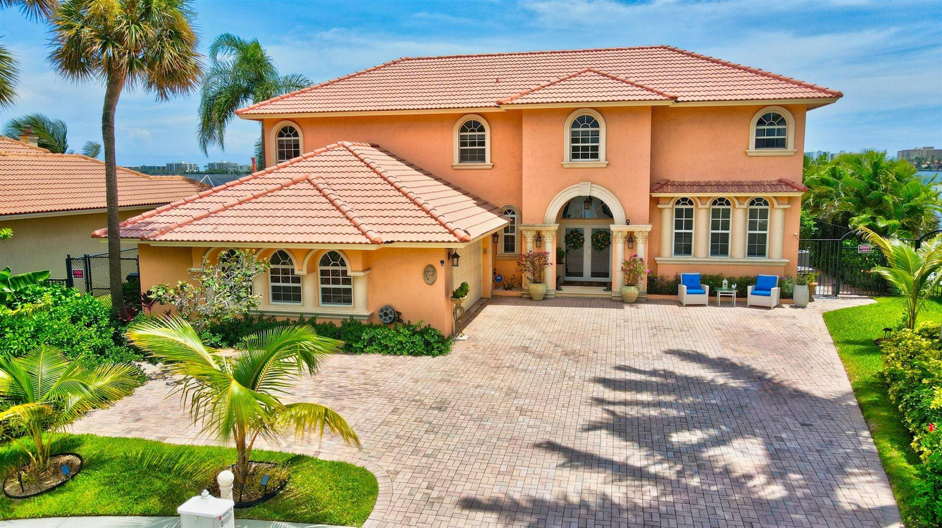 2 Lakeside Palms Court, Lake Worth, FL 33460 - #: RX-10739028