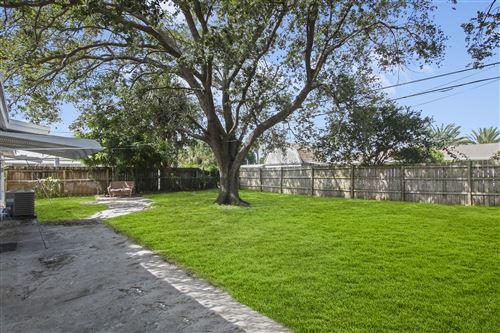 Tiny photo for 3853 Everglades Road, Palm Beach Gardens, FL 33410 (MLS # RX-10751029)