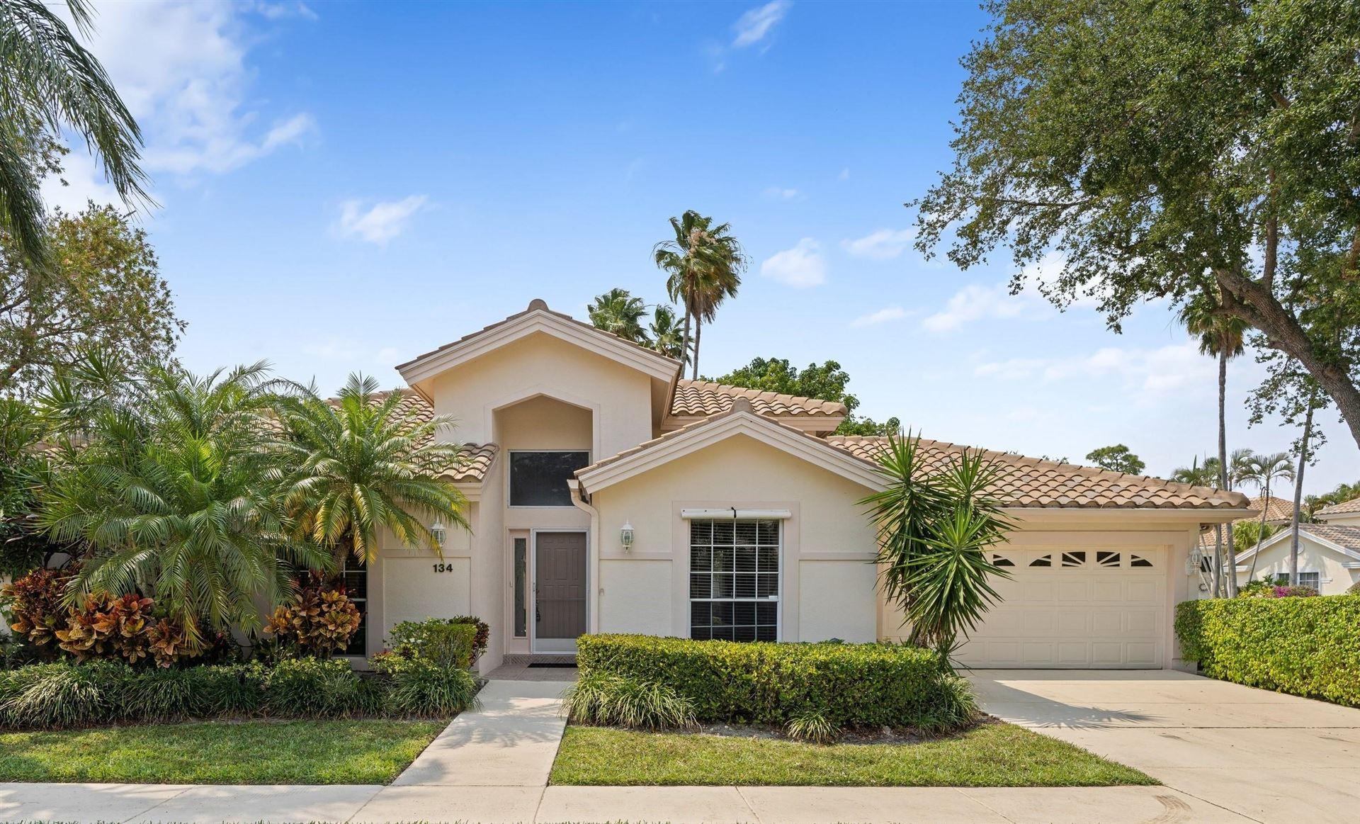 Photo of 134 Eagleton Court, Palm Beach Gardens, FL 33418 (MLS # RX-10709029)