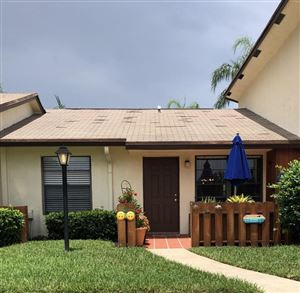 Photo of 8071 SE Villa Circle, Hobe Sound, FL 33455 (MLS # RX-10455030)