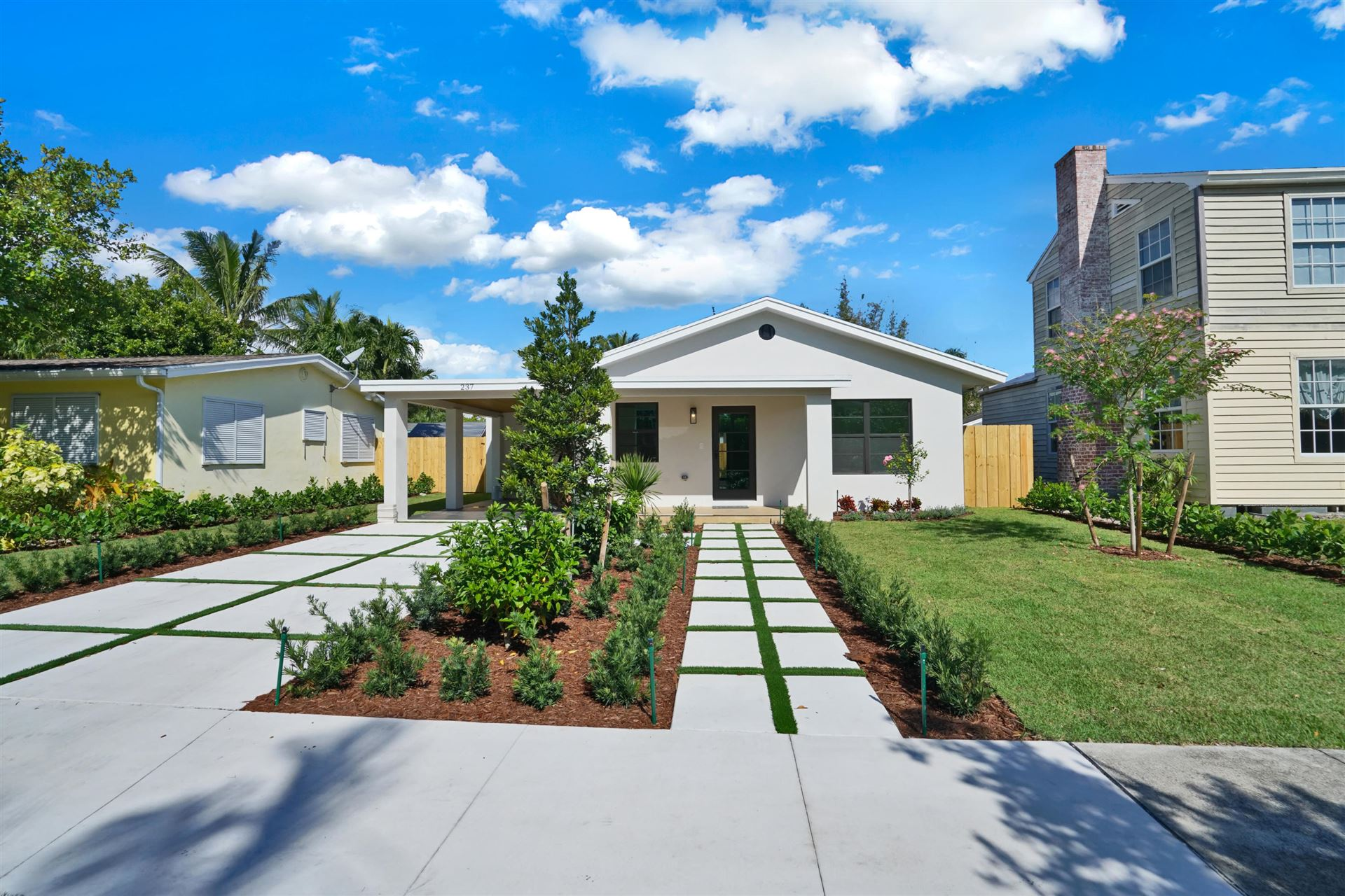 237 Edgewood Drive, West Palm Beach, FL 33405 - #: RX-10673030