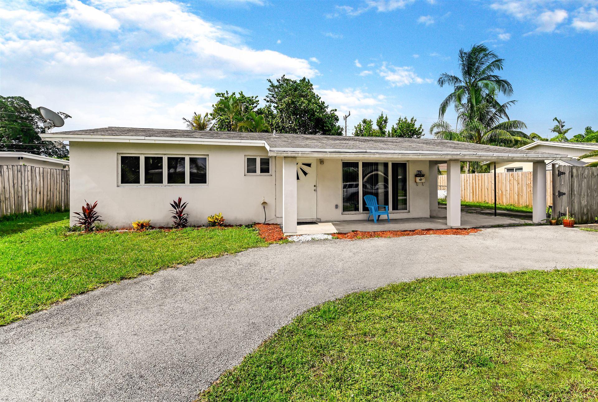Photo of 912 SE 13th Street, Deerfield Beach, FL 33441 (MLS # RX-10733030)
