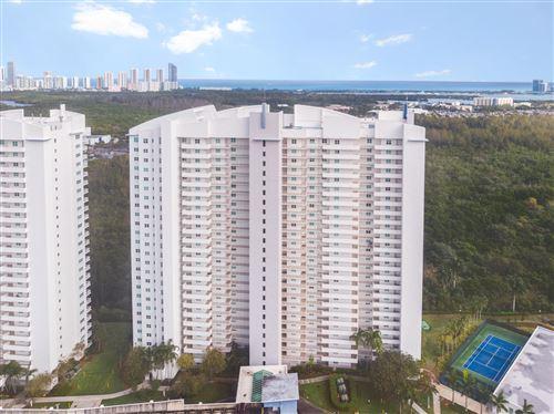 Foto de inmueble con direccion 14951 Royal Oaks Lane #1503 North Miami FL 33181 con MLS RX-10599032