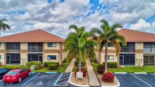 Foto de inmueble con direccion 15451 Pembridge Drive #212 Delray Beach FL 33484 con MLS RX-10650032