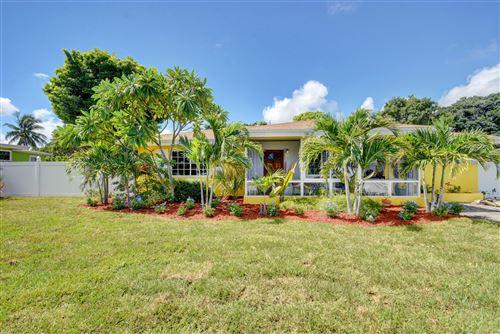 Photo of 820 SE 4th Avenue, Delray Beach, FL 33483 (MLS # RX-10751032)