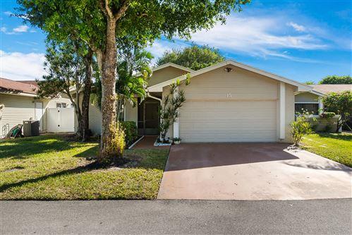 Photo of 15 Grange Place, Boynton Beach, FL 33426 (MLS # RX-10754033)