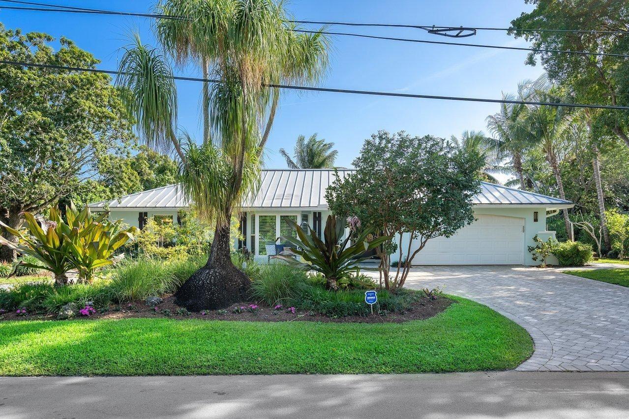 Photo of 902 Lake Shore Drive, Delray Beach, FL 33444 (MLS # RX-10697035)