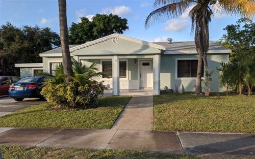 Photo of 405 W Ocean Avenue, Boynton Beach, FL 33435 (MLS # RX-10584038)