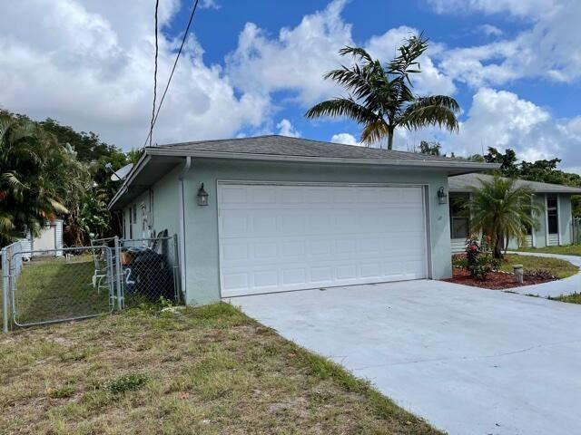 221 SE Verada Avenue, Port Saint Lucie, FL 34983 - #: RX-10717043