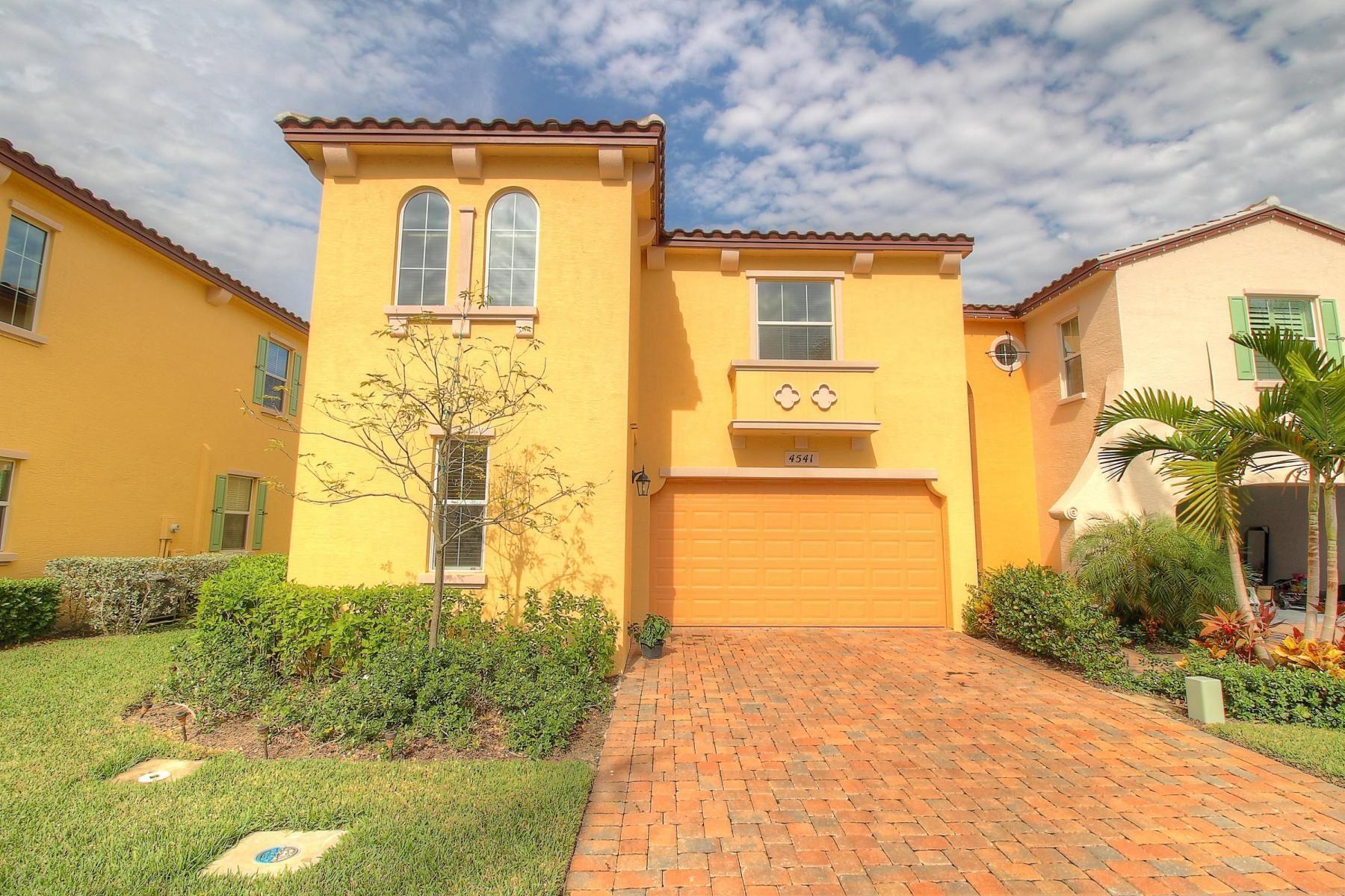 Photo of 4541 Mediterranean Circle, Palm Beach Gardens, FL 33418 (MLS # RX-10685045)