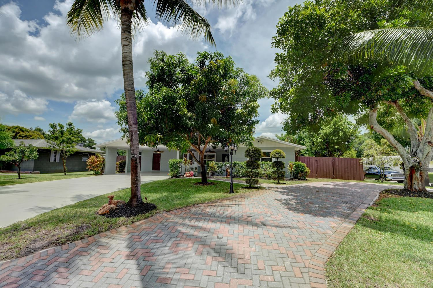Photo of 2402 Holiday Court, Fort Pierce, FL 34982 (MLS # RX-10638047)
