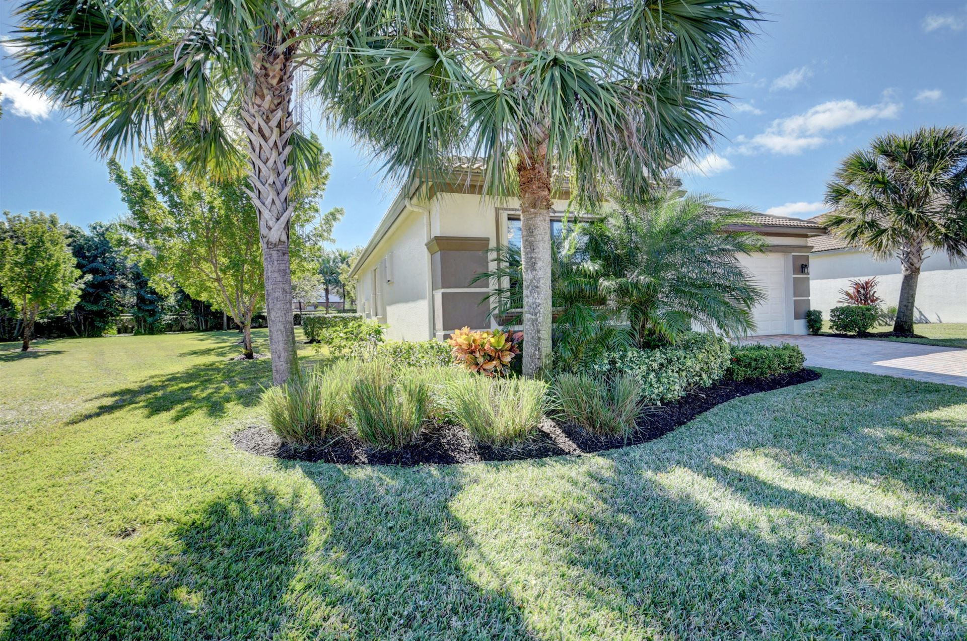Photo of 9482 Isles Cay Drive, Delray Beach, FL 33446 (MLS # RX-10687050)