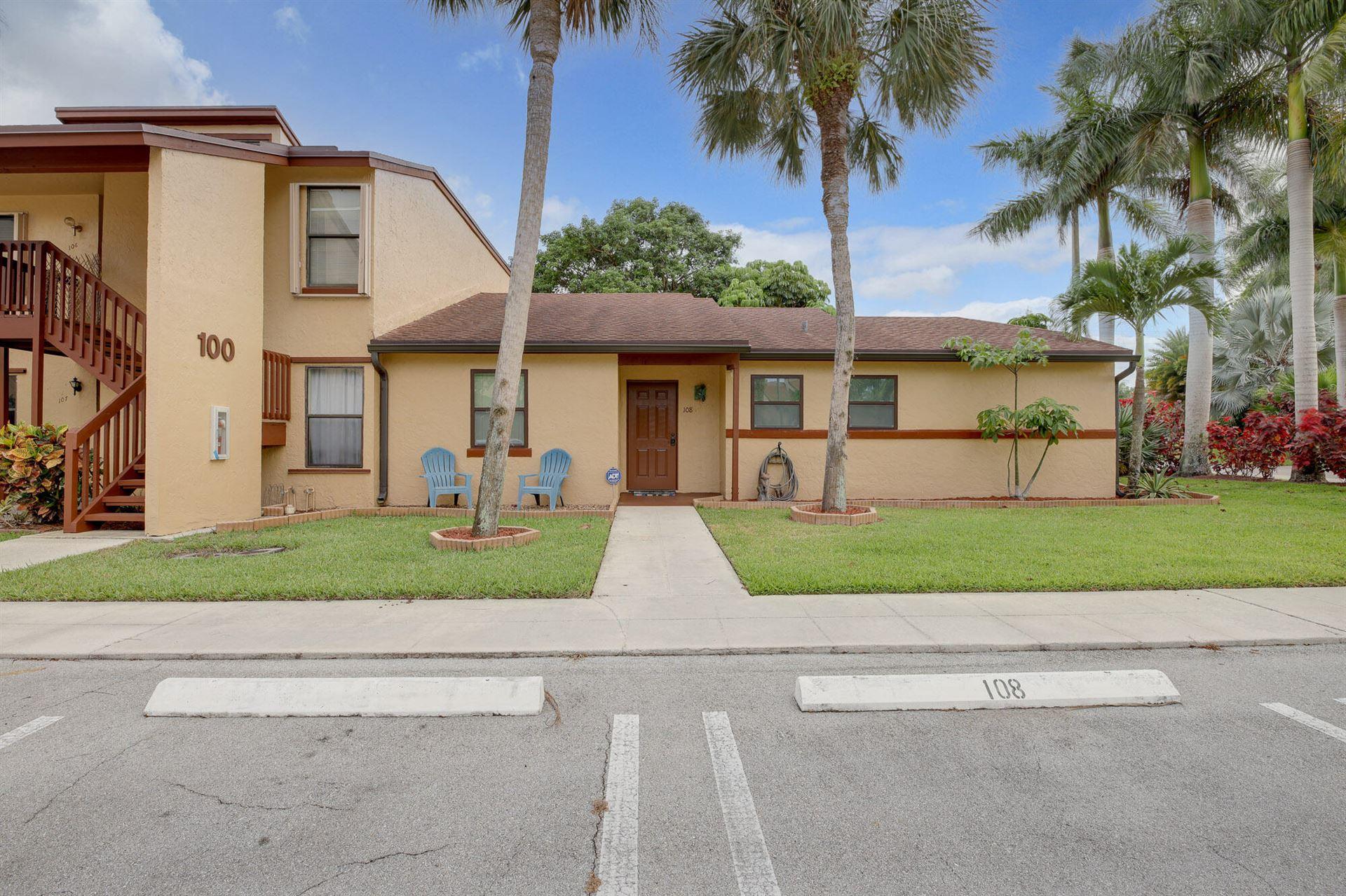 108 Lakeview Drive E, Royal Palm Beach, FL 33411 - #: RX-10726051