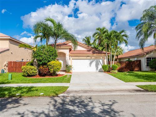 Photo of 14723 Vista Luna Drive, Davie, FL 33325 (MLS # RX-10749052)