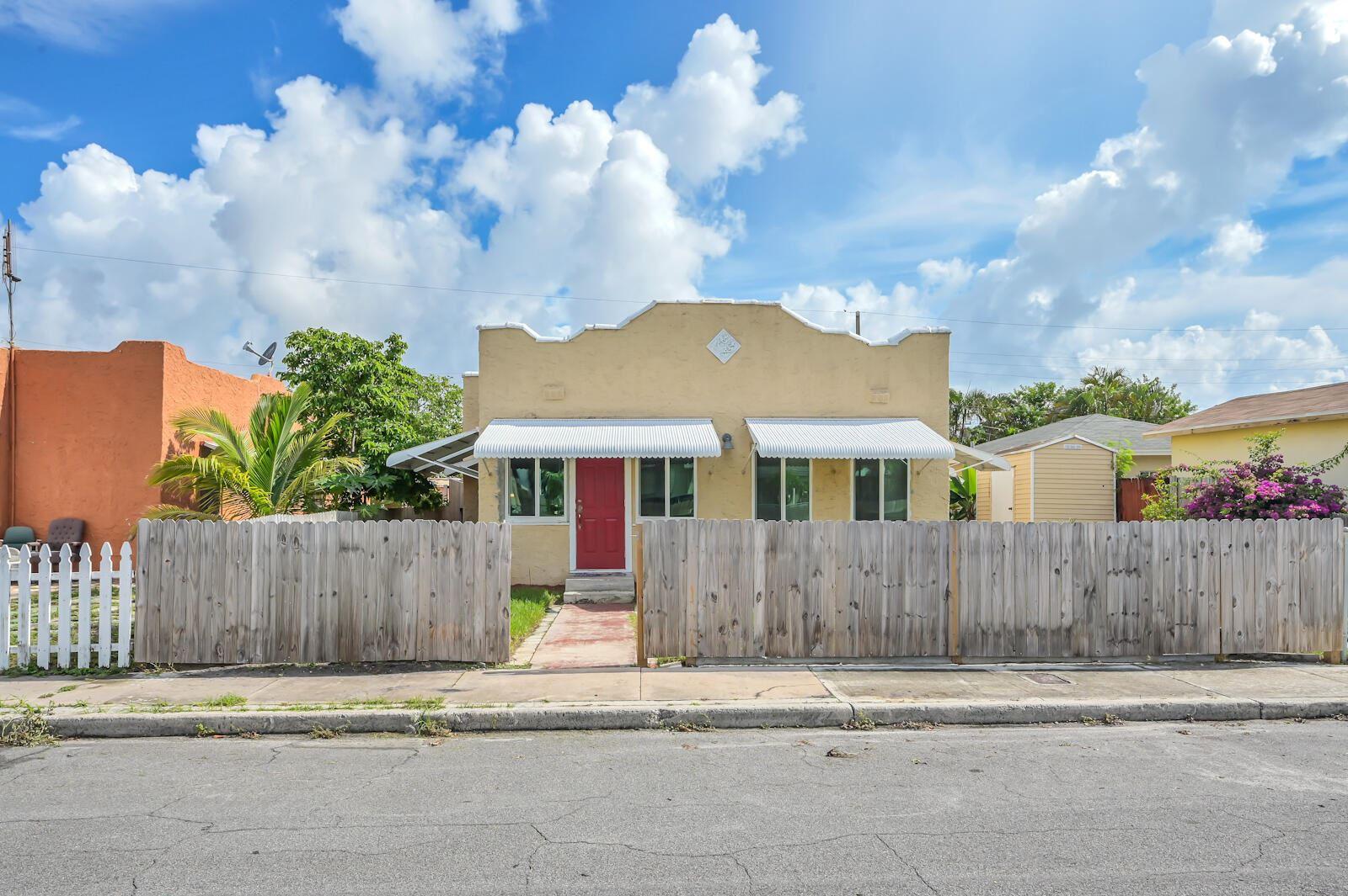 711 Mcintosh Street, West Palm Beach, FL 33405 - MLS#: RX-10728052