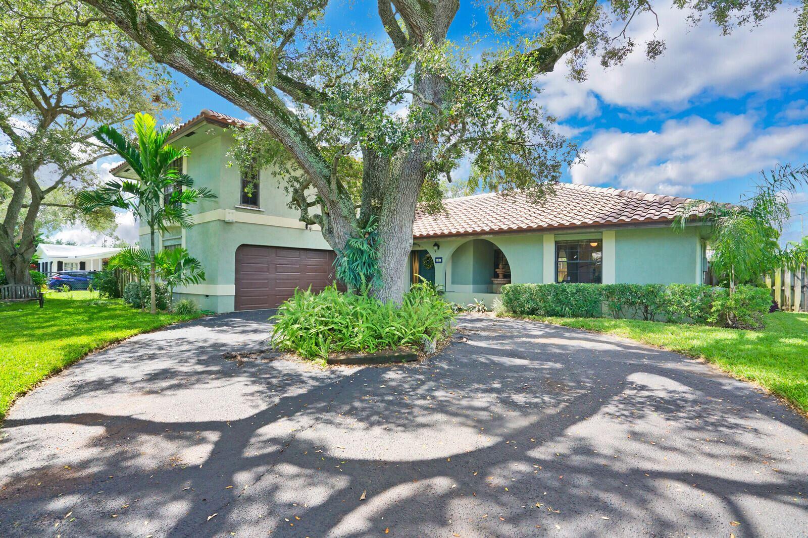 39 SW 10th Avenue, Boca Raton, FL 33486 - #: RX-10747053