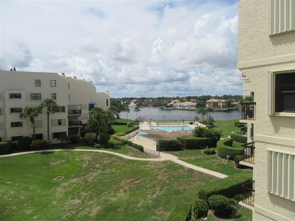 Photo for 374 Golfview Road #401, North Palm Beach, FL 33408 (MLS # RX-10513055)
