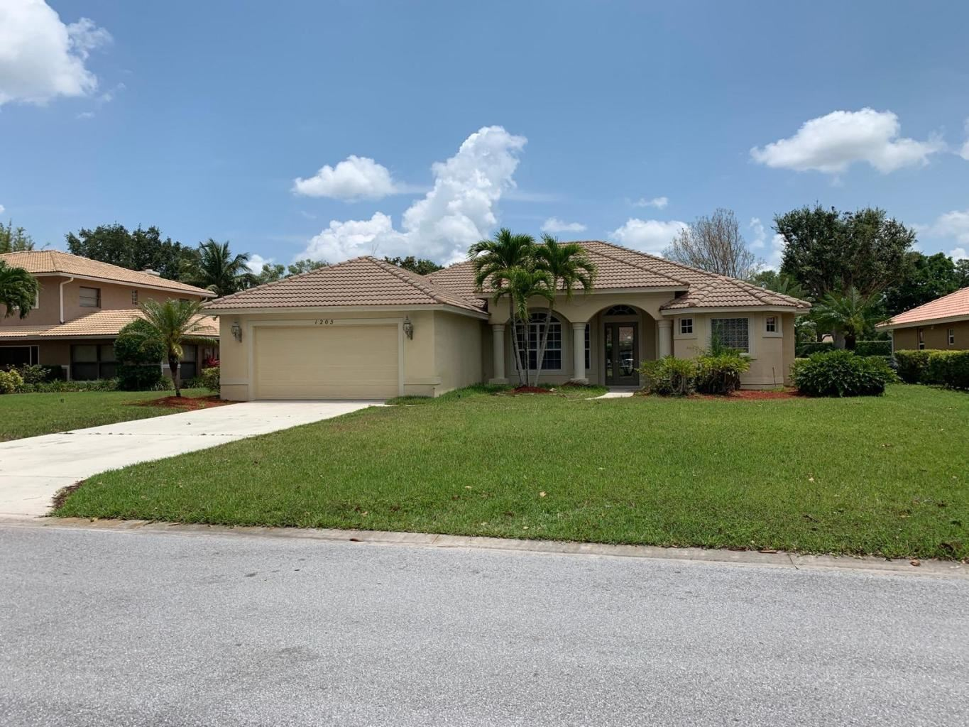 1205 SW Live Oak Cove, Port Saint Lucie, FL 34986 - #: RX-10695055