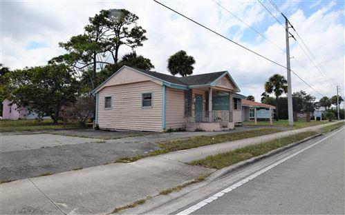 Photo of 1052 SE Ocean Boulevard, Stuart, FL 34996 (MLS # RX-10718063)