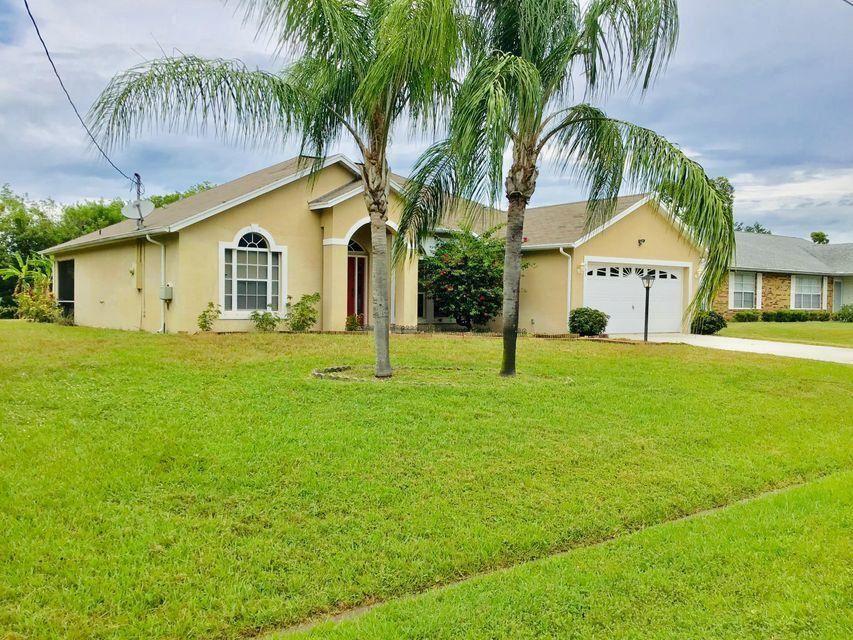557 SW Lucero Drive, Port Saint Lucie, FL 34983 - #: RX-10680064