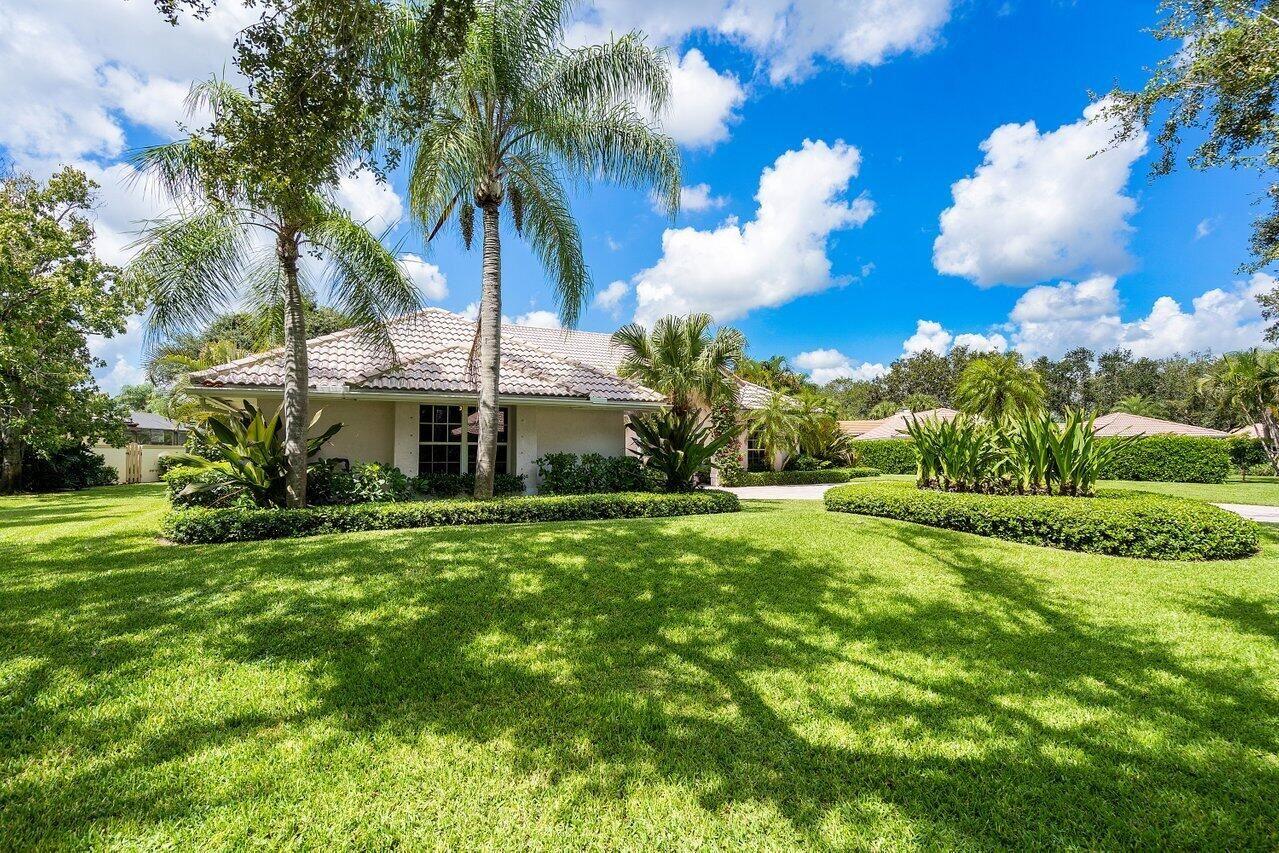 Photo of 18504 SE Heritage Oaks Lane, Tequesta, FL 33469 (MLS # RX-10744066)