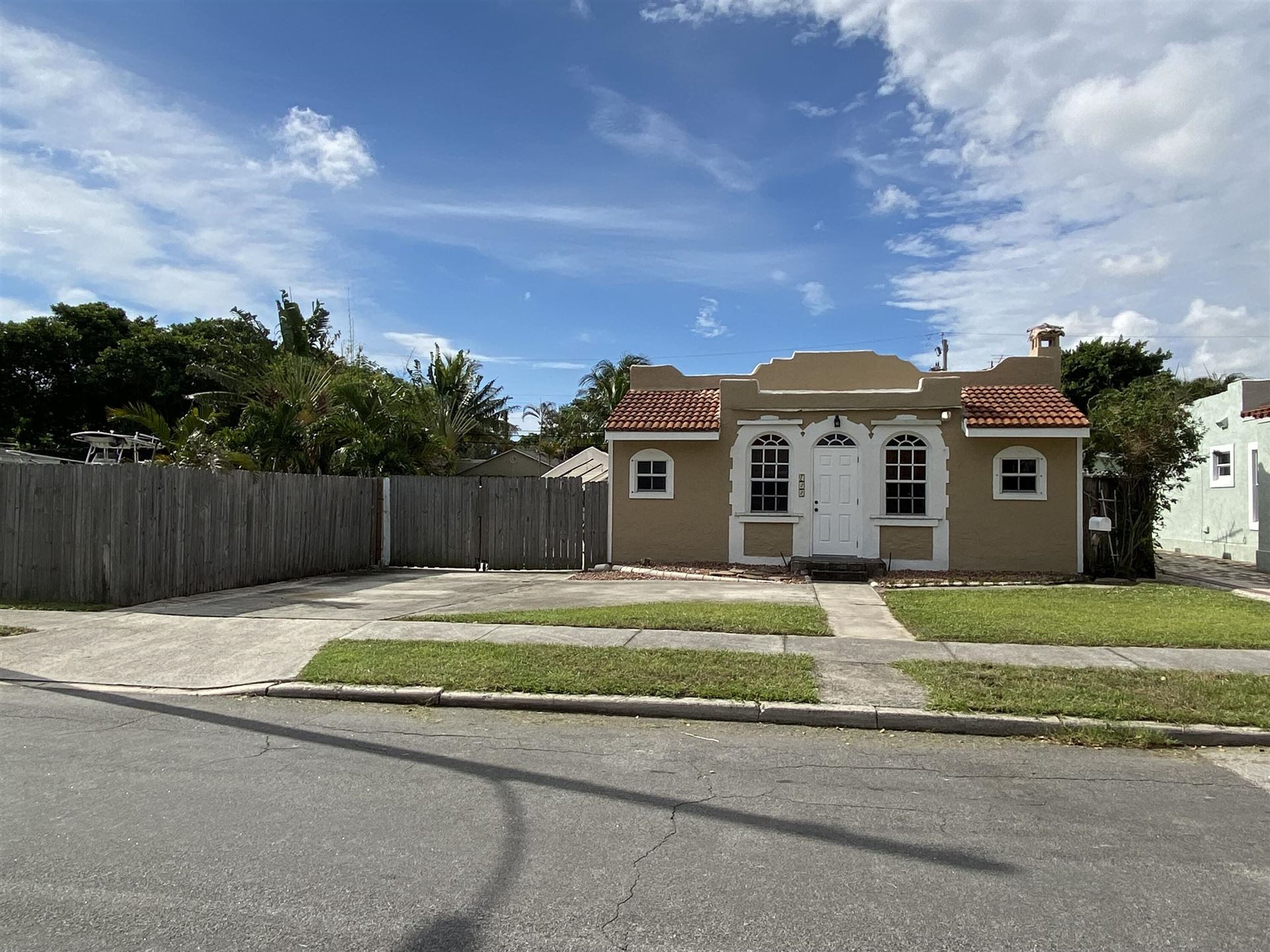 722 Valley Forge Road, West Palm Beach, FL 33405 - #: RX-10747068