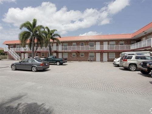 Foto de inmueble con direccion 853 SE 4th Court Deerfield Beach FL 33441 con MLS RX-10620070