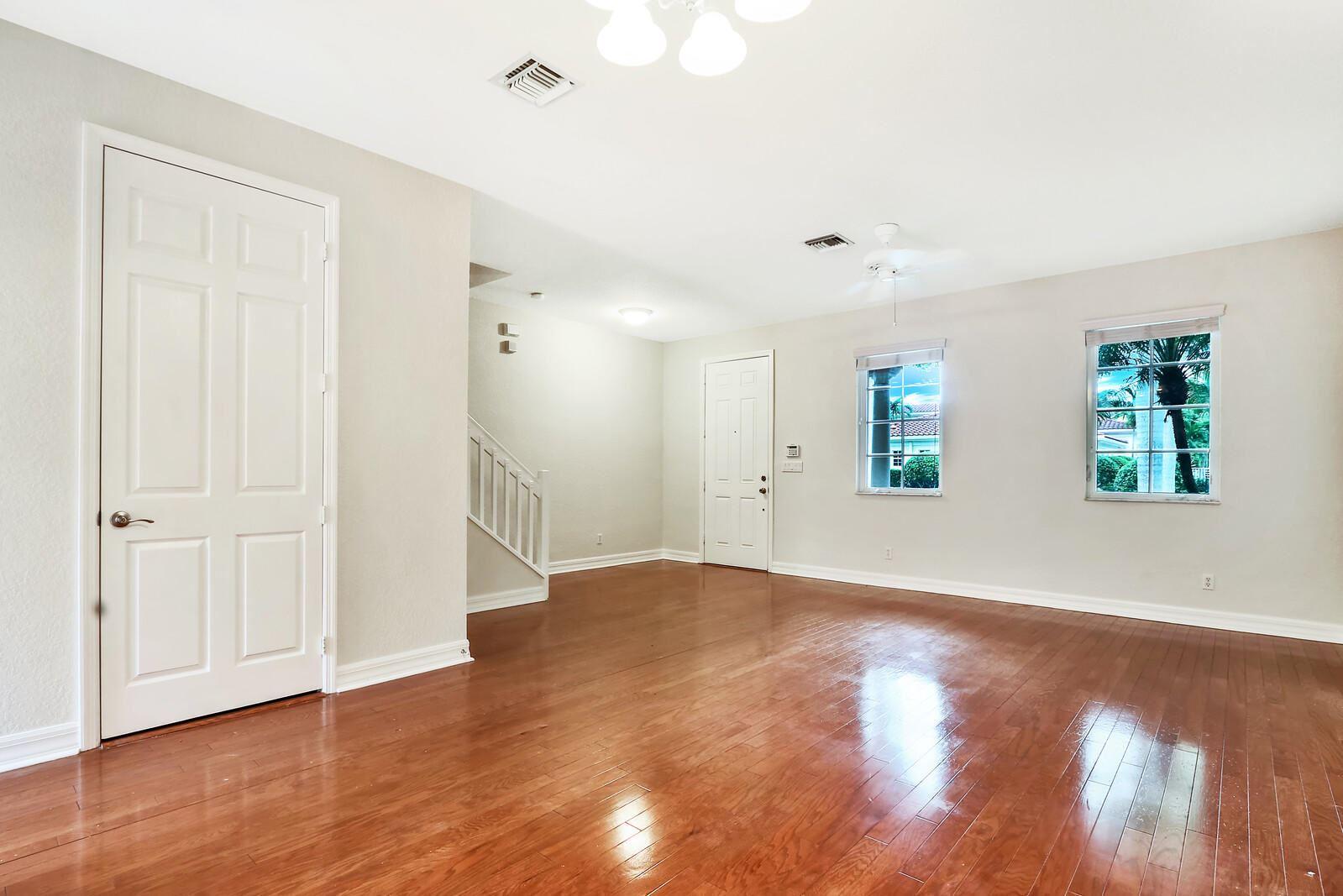 Photo of 227 Mulligan Place, Jupiter, FL 33458 (MLS # RX-10664074)