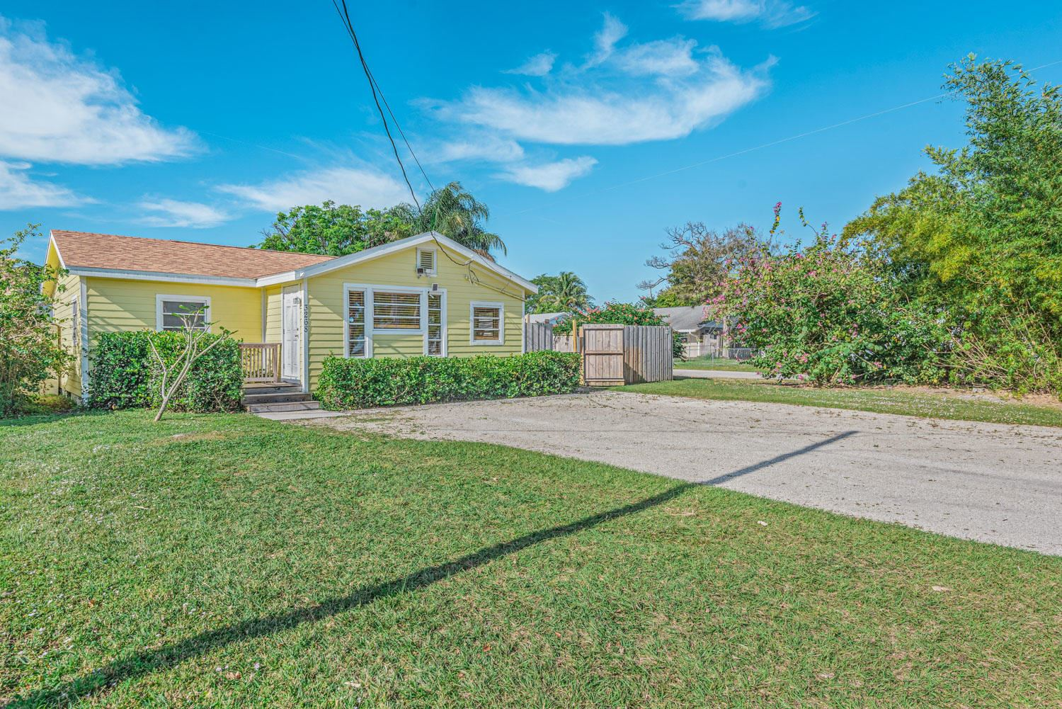 3268 SE Golden Gate Avenue, Stuart, FL 34997 - #: RX-10682075