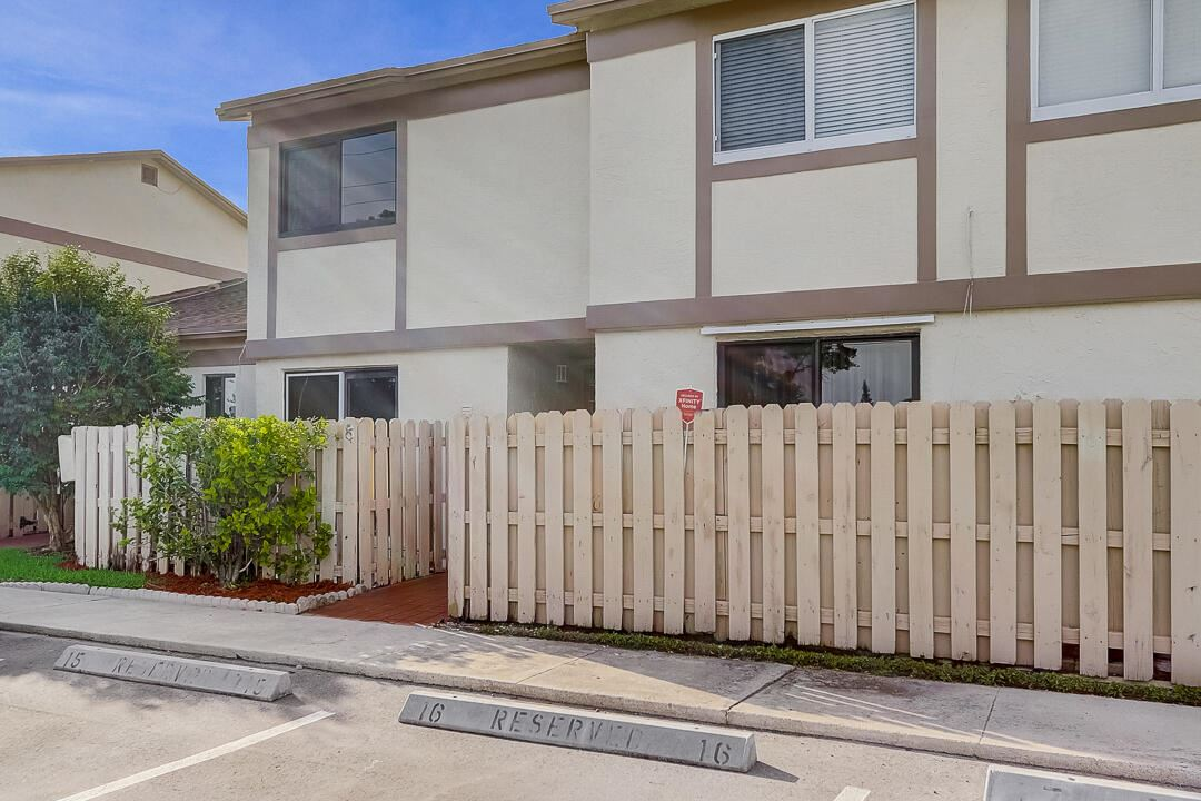 10875 NW 29th Manor #8, Sunrise, FL 33322 - MLS#: RX-10742076