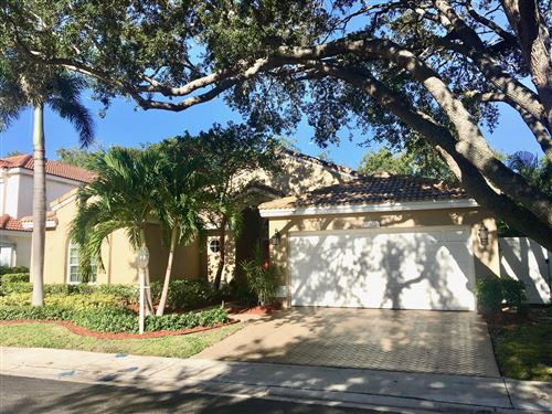 Photo of 1022 Siena Oaks Circle W, Palm Beach Gardens, FL 33410 (MLS # RX-10752078)