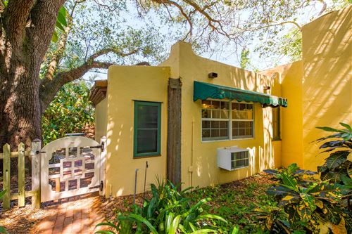 Photo of 825 Alamanda Street #Cottage, Boca Raton, FL 33486 (MLS # RX-10613081)