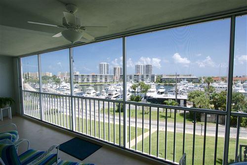 Foto de inmueble con direccion 907 Marina Drive #307 North Palm Beach FL 33408 con MLS RX-10652081