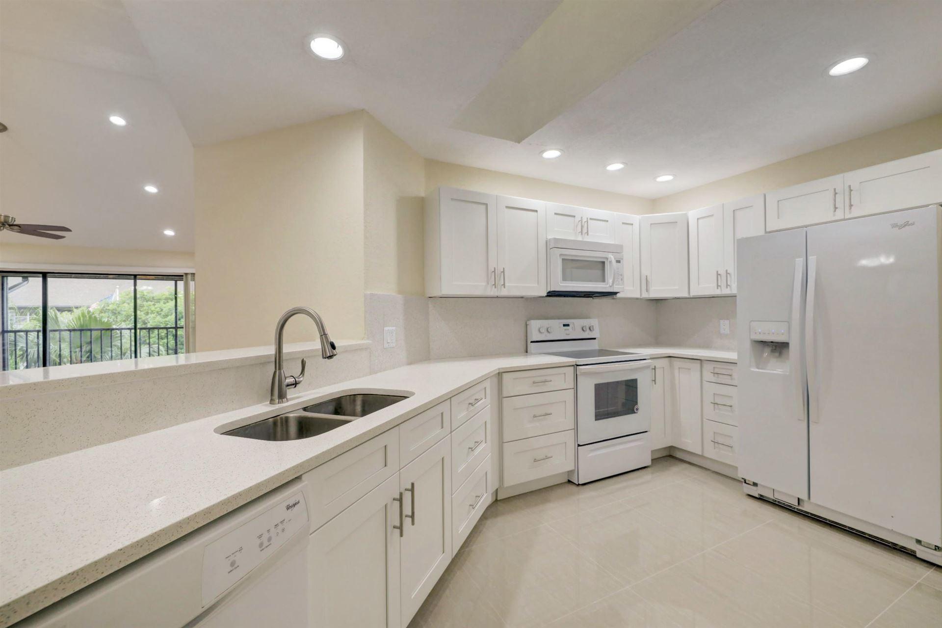 6256 SE Charleston Place E #201, Hobe Sound, FL 33455 - #: RX-10656082