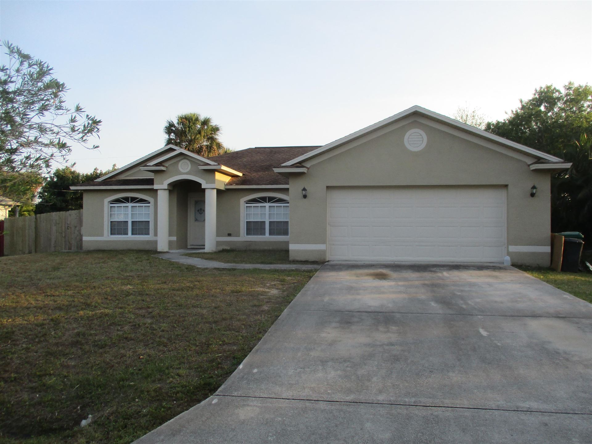 1034 SW Abingdon Avenue, Port Saint Lucie, FL 34953 - #: RX-10703082