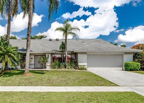 Photo of 13707 Barberry Drive, Wellington, FL 33414 (MLS # RX-10613085)