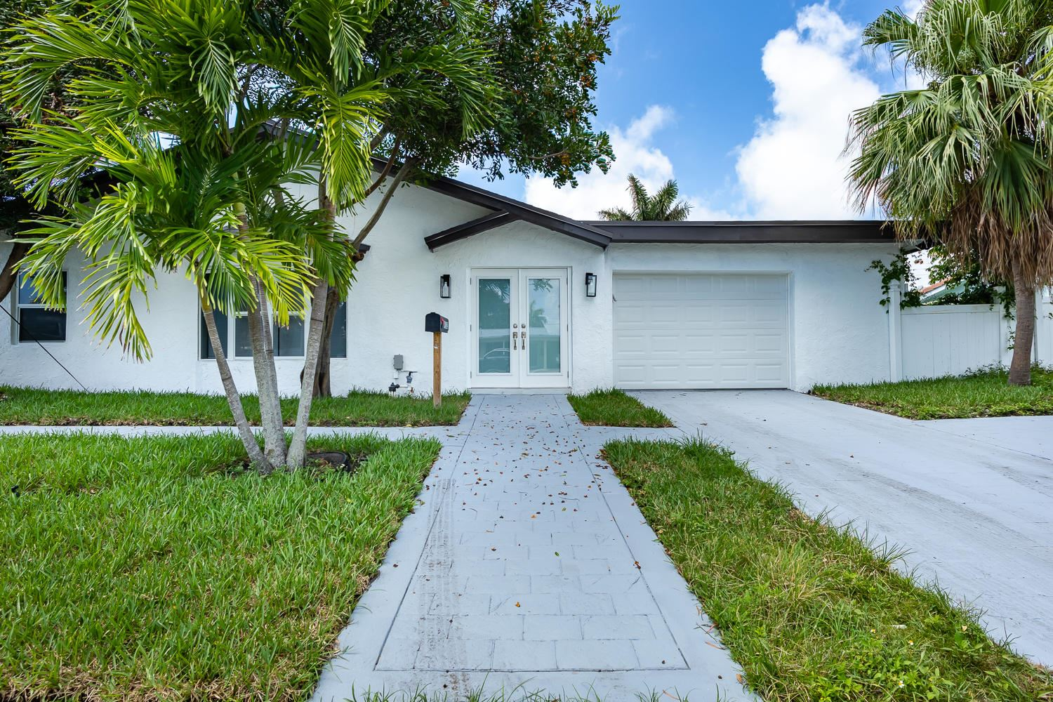 912 SE 15th Court, Deerfield Beach, FL 33441 - #: RX-10633085