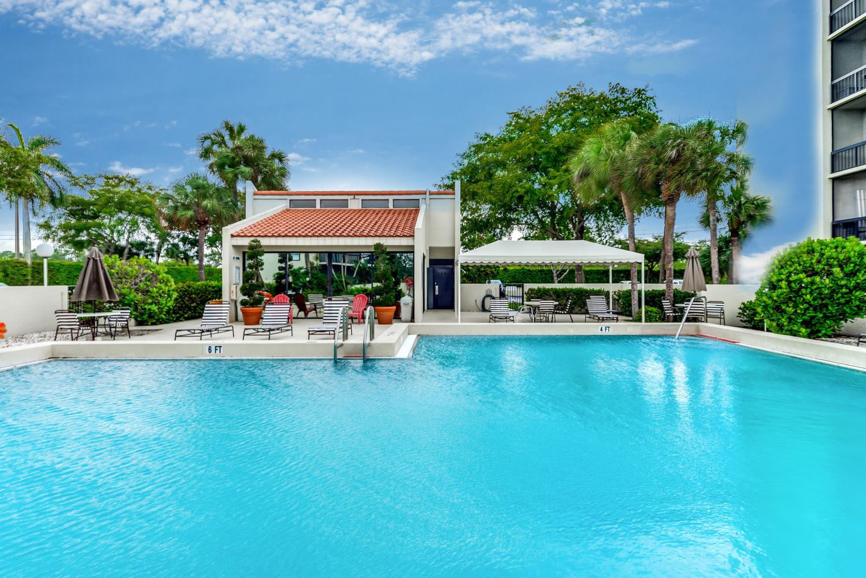 3050 Presidential Way #102, West Palm Beach, FL 33401 - #: RX-10564086