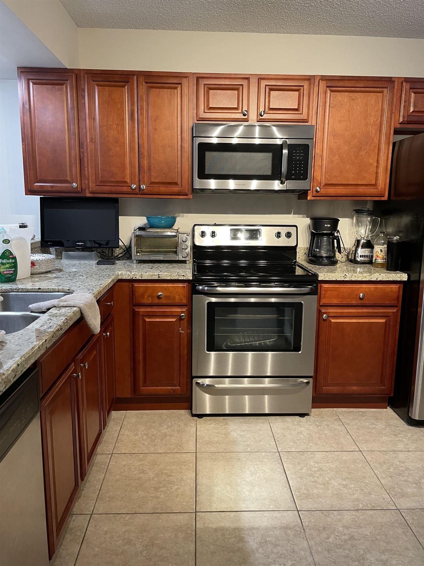 3516 Whitehall Drive #303, West Palm Beach, FL 33401 - #: RX-10722086