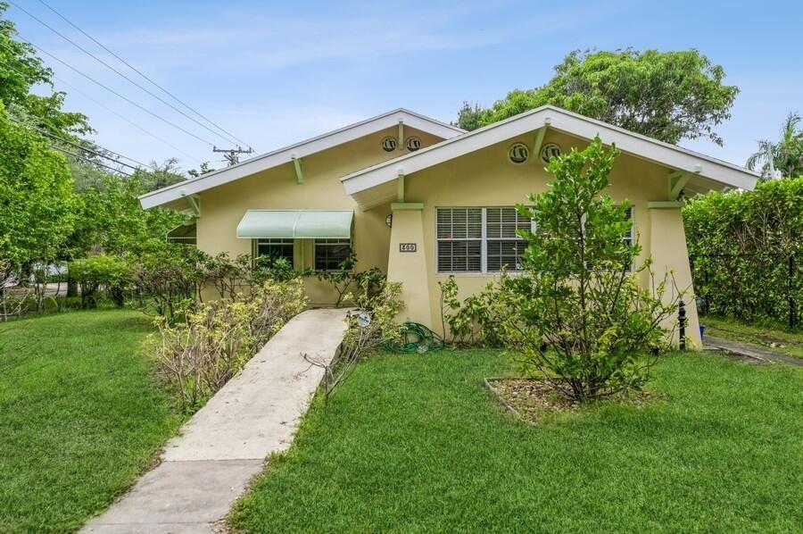 300 Barcelona Road, West Palm Beach, FL 33401 - MLS#: RX-10752086