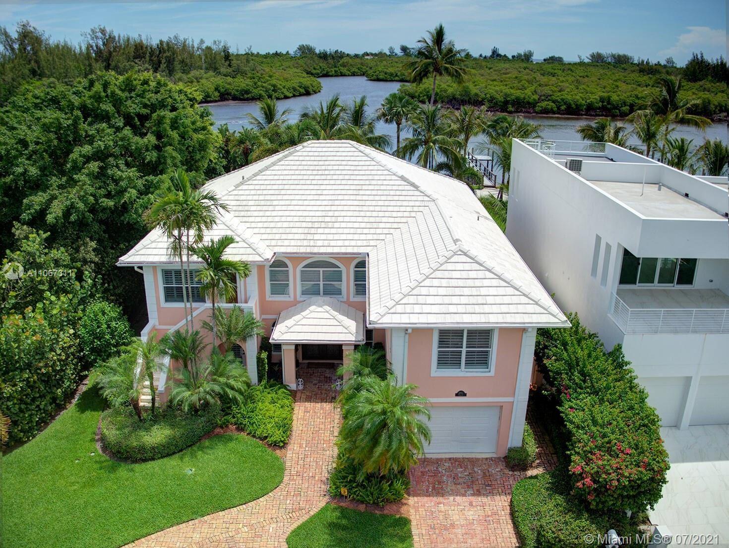 Photo of 9353 SE Se Yardarm Terrace, Hobe Sound, FL 33455 (MLS # RX-10754086)