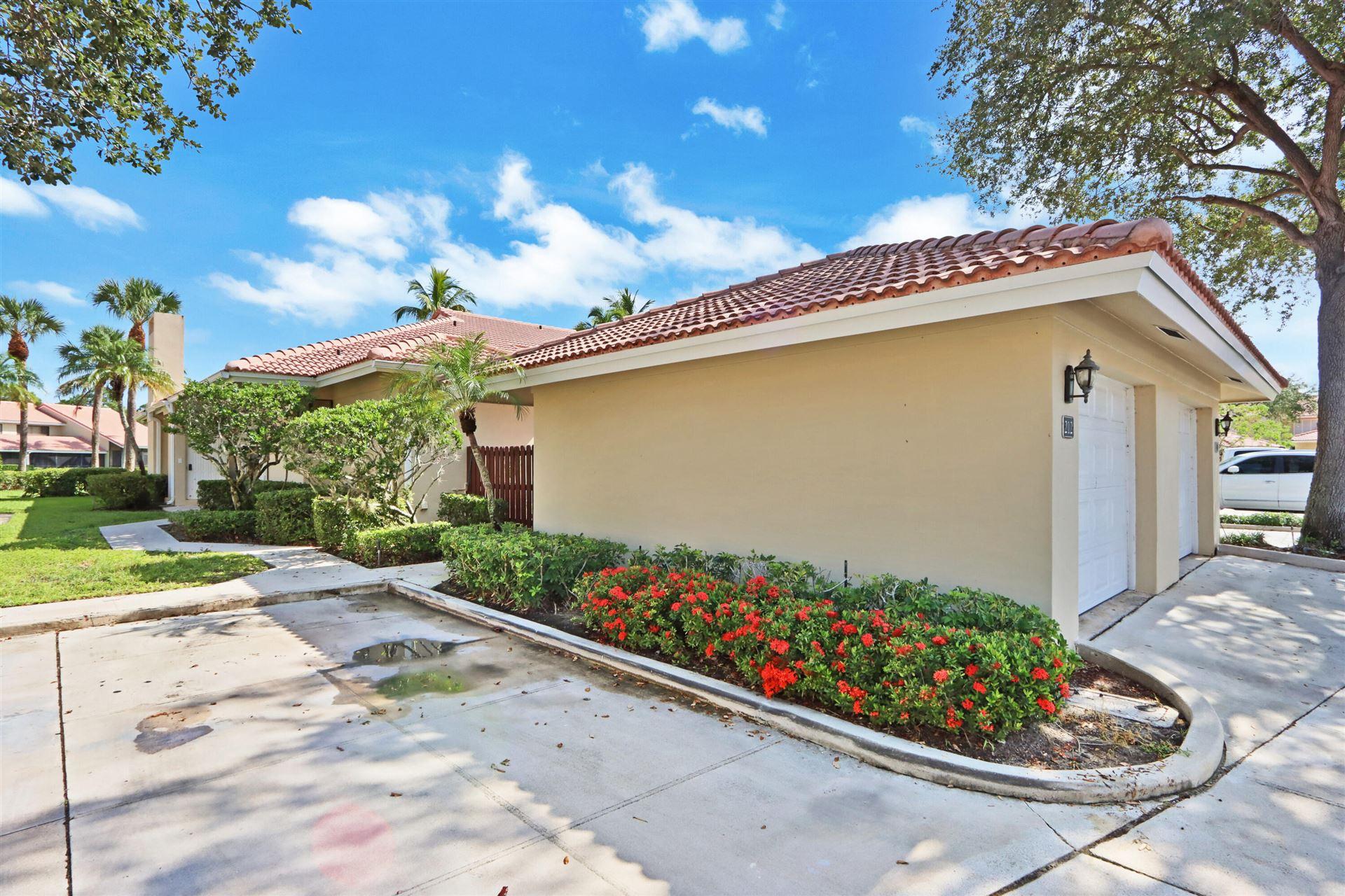 Photo of 212 Old Meadow Way, Palm Beach Gardens, FL 33418 (MLS # RX-10744087)