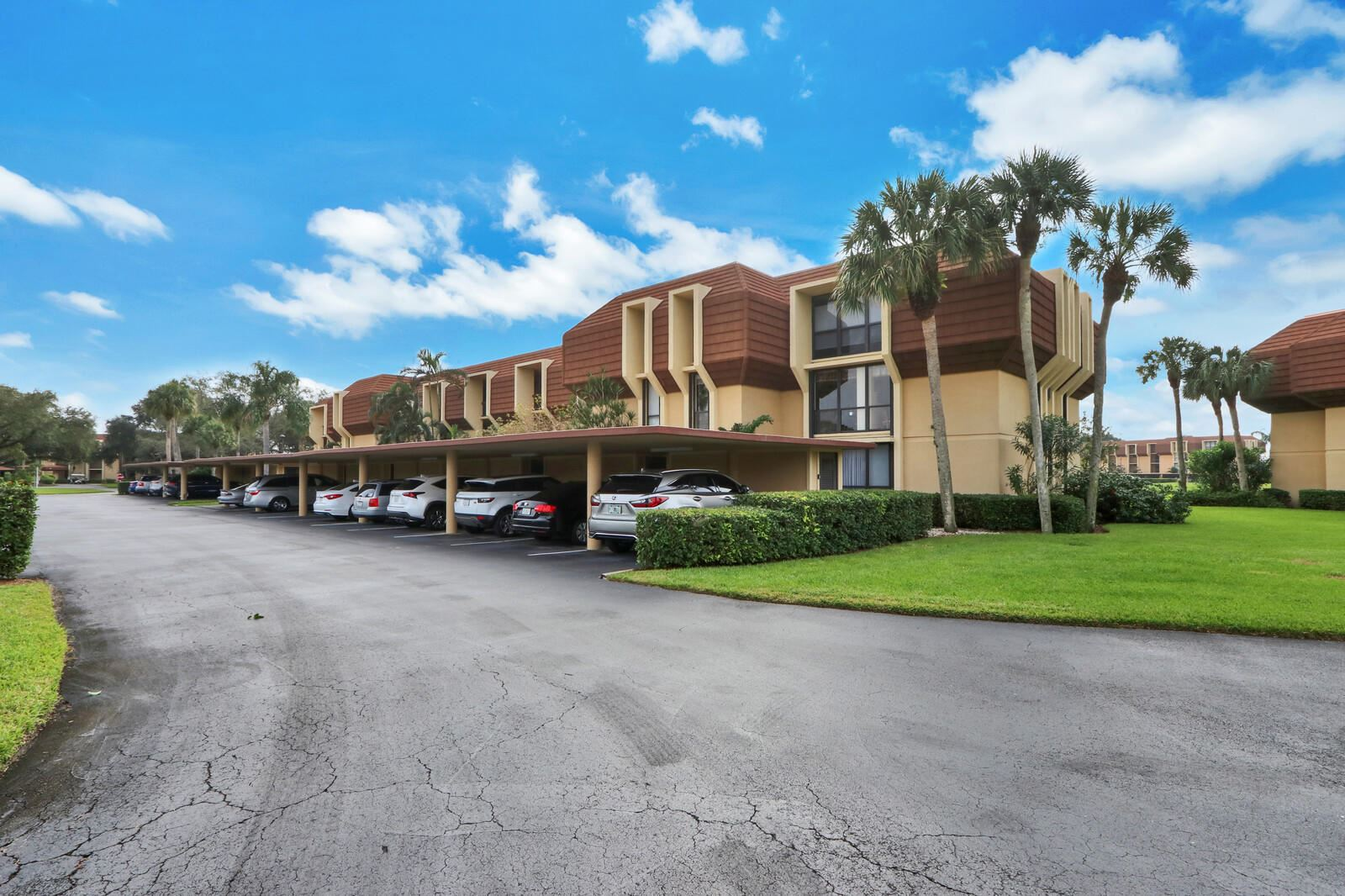 5344 Woodland Lakes Drive #220, Palm Beach Gardens, FL 33418 - #: RX-10679090